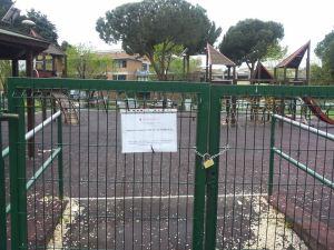area giochi chiusa alla Cecchina